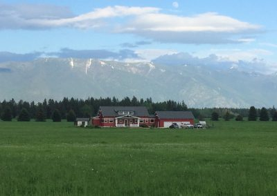 Pretty Montana farmhouse picture (1)